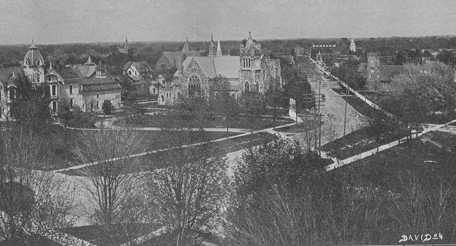 Black and white photo of Nepessing Street in Lapeer in 1904